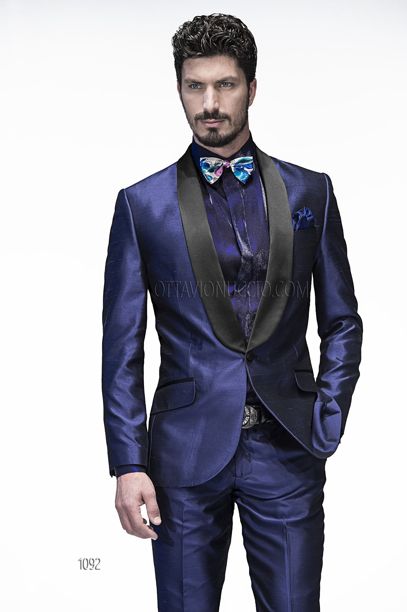 Smoking in shantung blu royal con rever a contrasto neri man suits