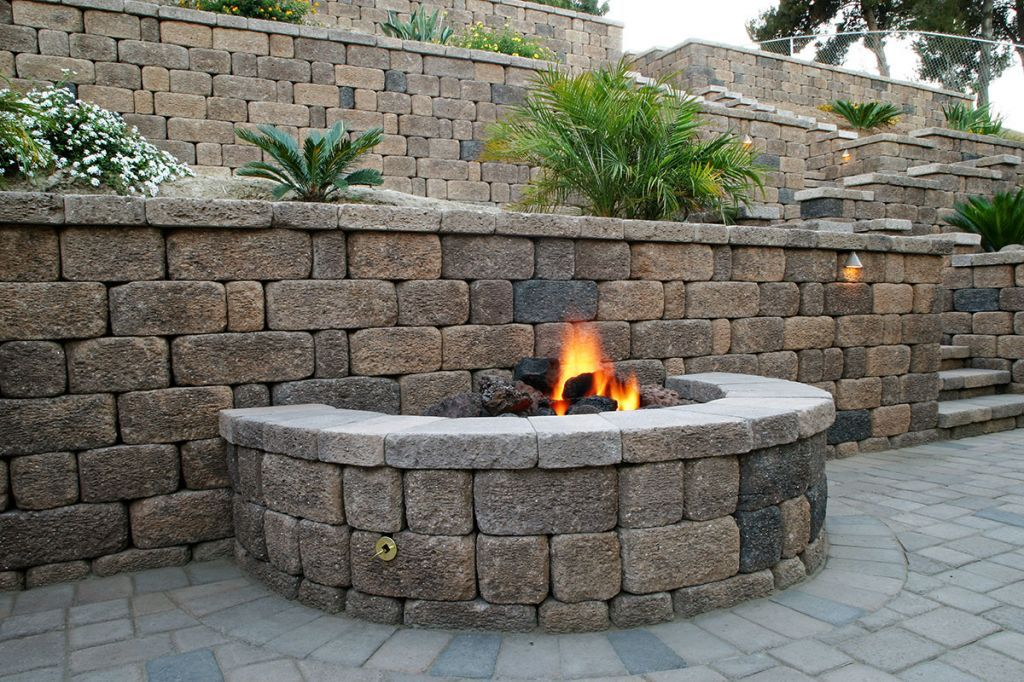 Keystone Country Manor® | Keystone Retaining Wall Systems | Modern fire pit, Fire pit patio ...