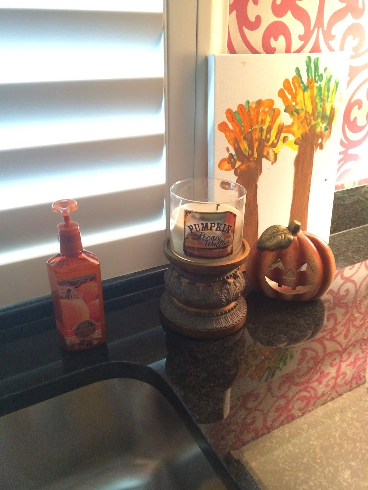 Fifty Two Shades of Shay: Decorating for Fall (at the new house!) | Mix and…