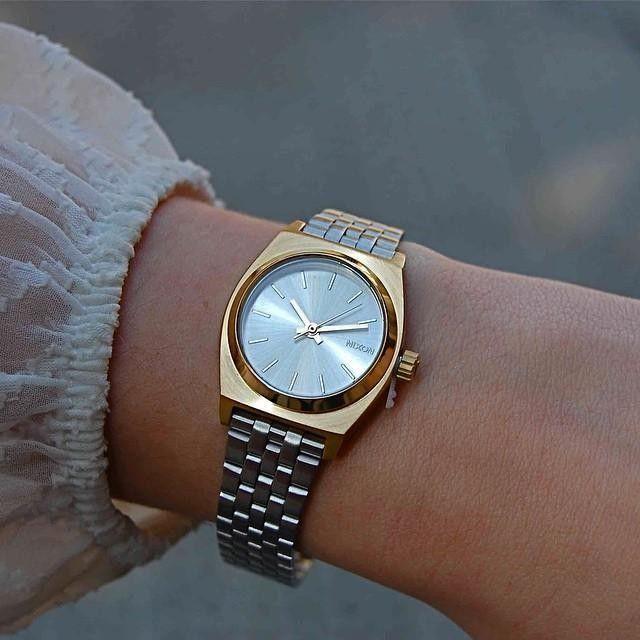small time teller montres femme montres et accessoires premium nixon watch pinterest. Black Bedroom Furniture Sets. Home Design Ideas