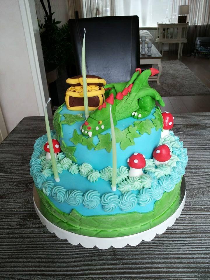 Schitterende Draak taart door Rianne de Korte.