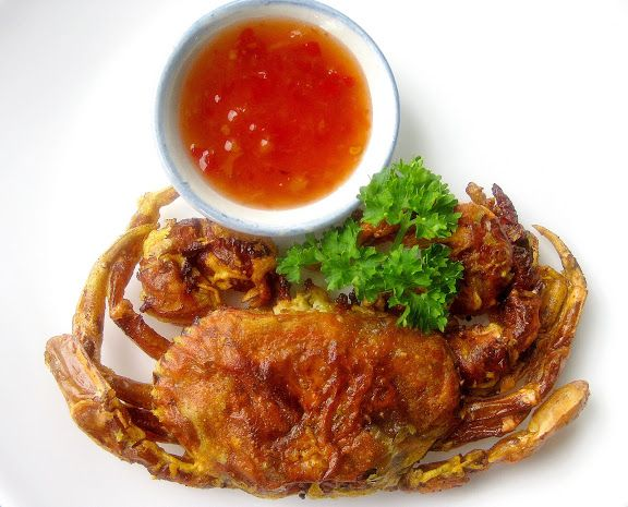 Muy crujientes fritos Soft Shell Crabs con Thai Sweet Chilli Sauce Inmersión - SheSimmers