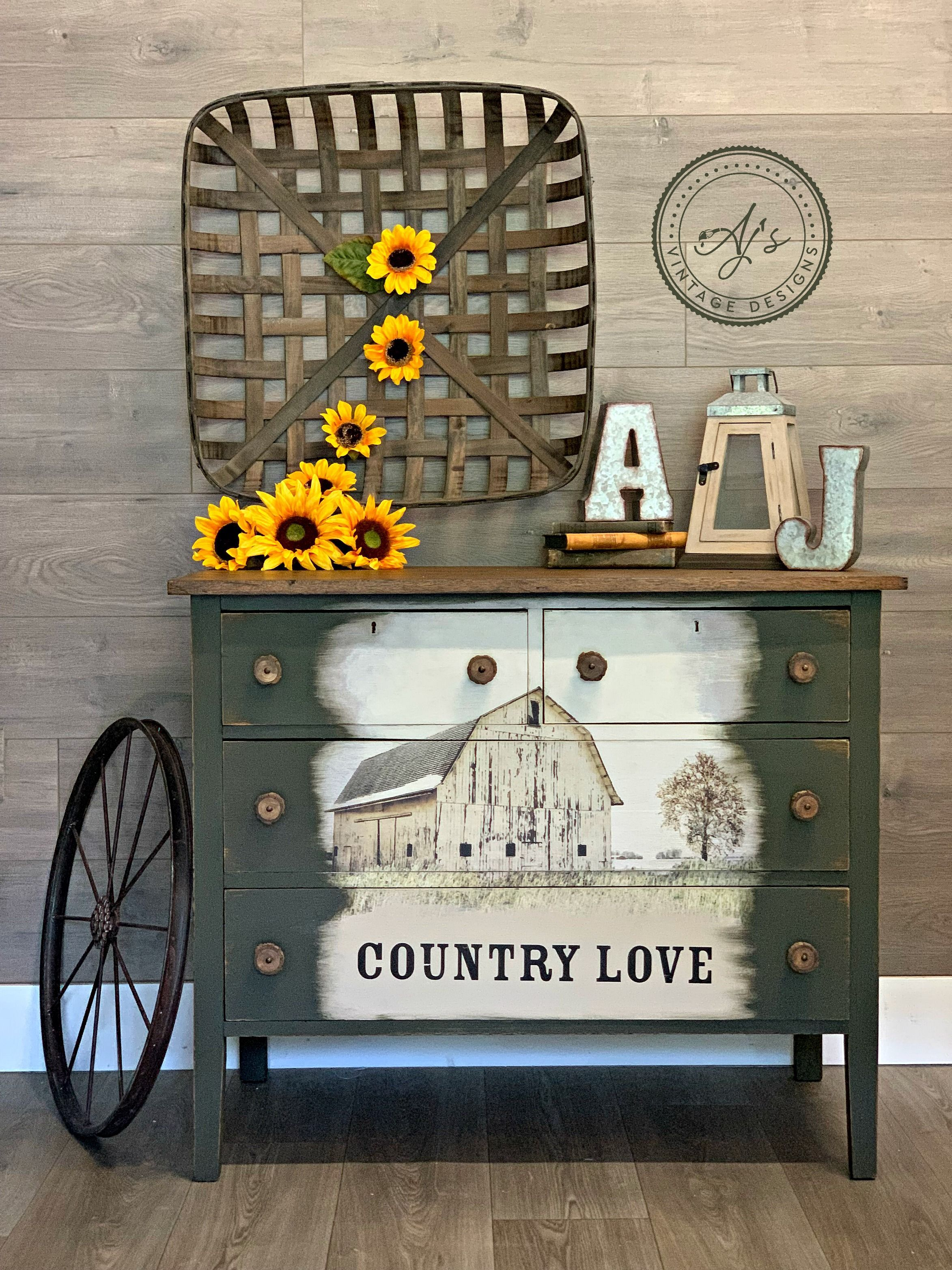 This Piece Was Painted By Ajs Vintage Designs Using Collard Greens By Dixie Belle And Transfer Is From Barn Furniture Hand Painted Furniture Redesign Furniture