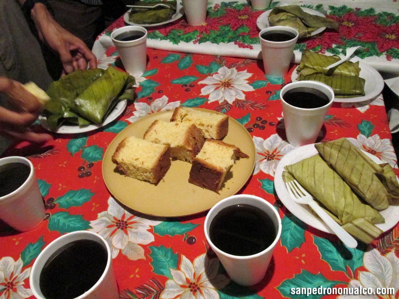 El Salvador Cafe Con Tamales Y Pan Dulce Tradicion En Fiestas