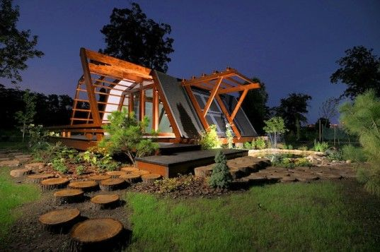 #TinyHomes Soleta ZeroEnergy One: Gorgeous Tiny Home Can be Remote Controlled by a Smartphone