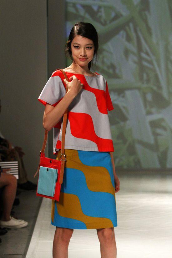 Kuvahaun tulos haulle värikäs marimekko mekko