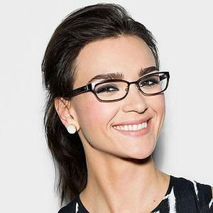 If you have classic frames, go with bolder eye makeup but keep the lips neutral.