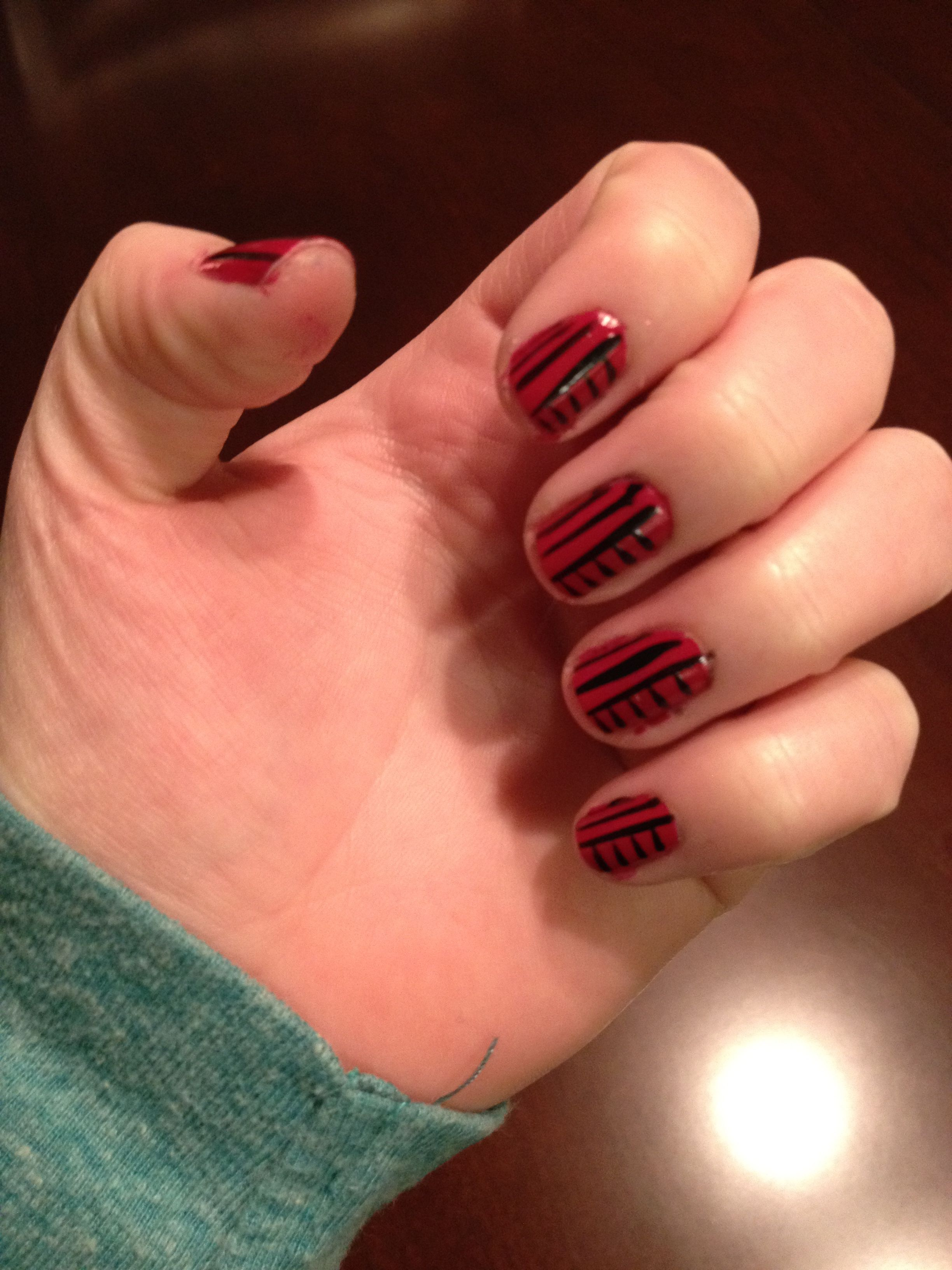 Essie Raspberry and Kiss Nail Art Paint Black | Nail Obsessions ...