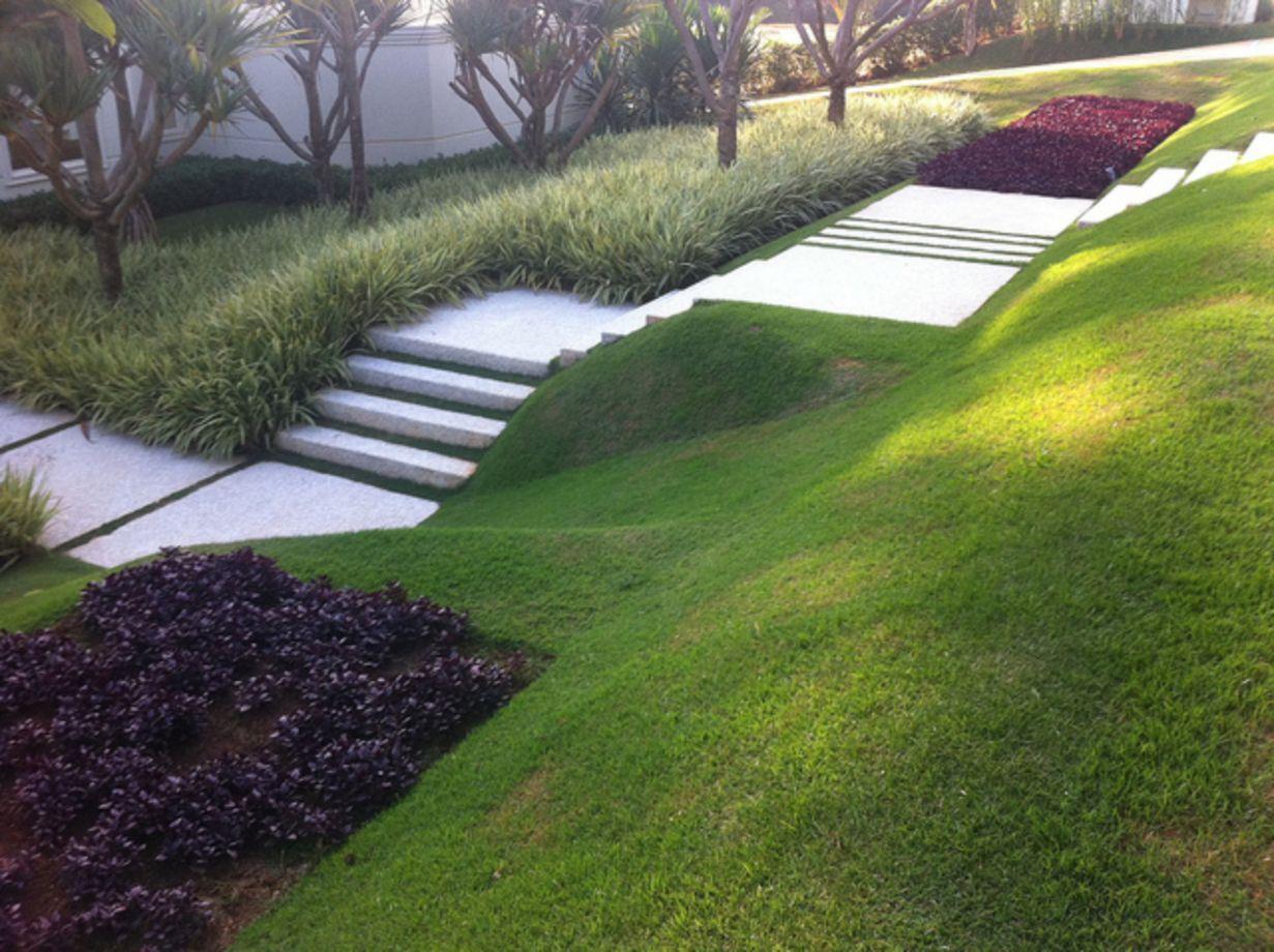 55 Creative Garden Design Ideas For Slopes Sloped Garden Modern Landscape Design Modern Landscaping
