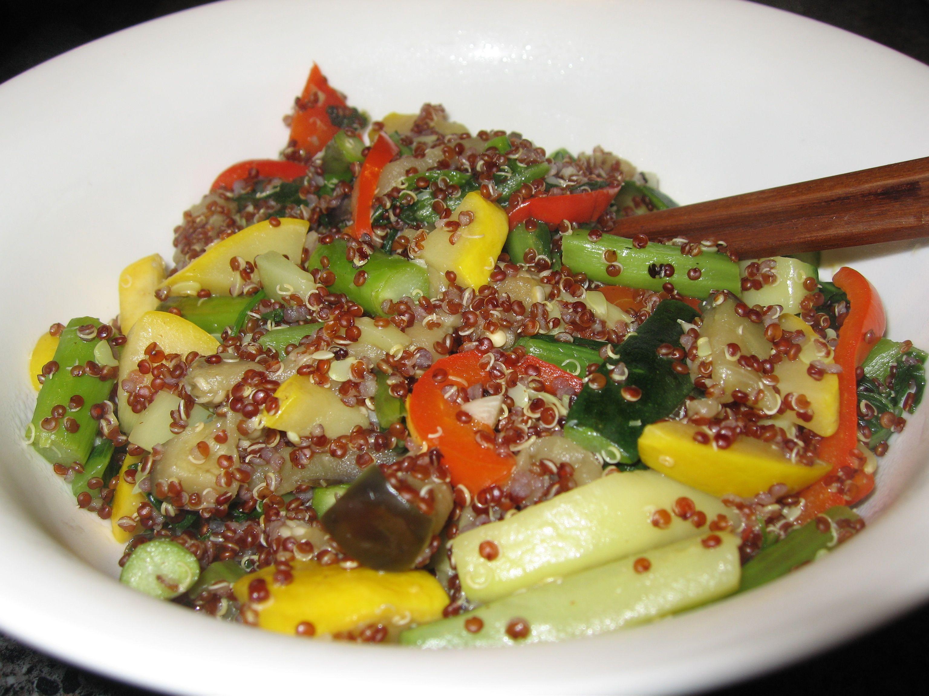 Meatless mondays inca red quinoa stir fry the veggie blog meatless mondays inca red quinoa stir fry the veggie blog forumfinder Images