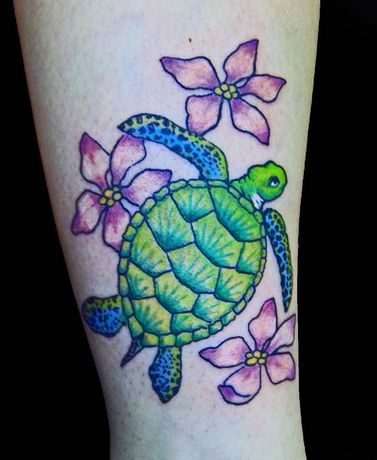 Beautiful Colorful Sea Turtle Tattoo Turtle Tattoo Designs Turtle Tattoo Hibiscus Tattoo