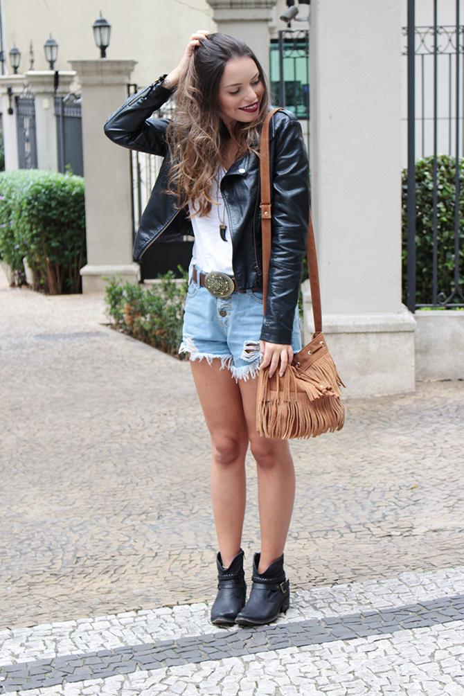 2598d0f93 Look do dia: Shorts com bota de cano curto | Style's | Fashion, Top ...
