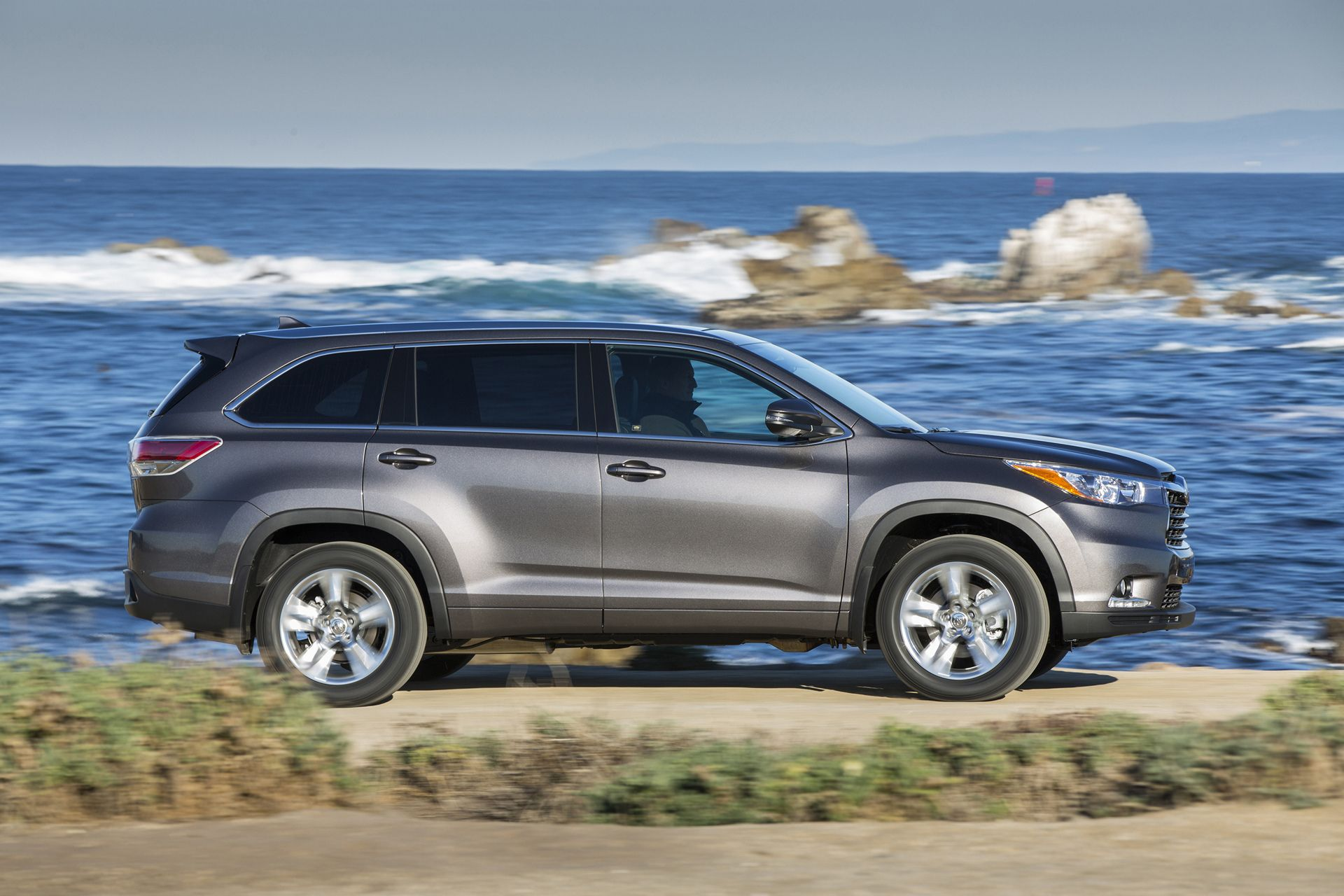 The Toyota Highlander started the midsize crossover SUV category 15
