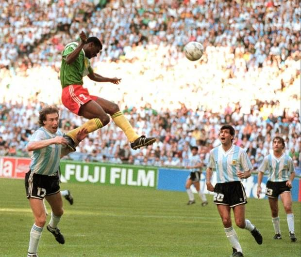 Omam Biyik Heads The Winner Against Argentina In World Cup 1990 Sports Photograph World Cup National Football Teams