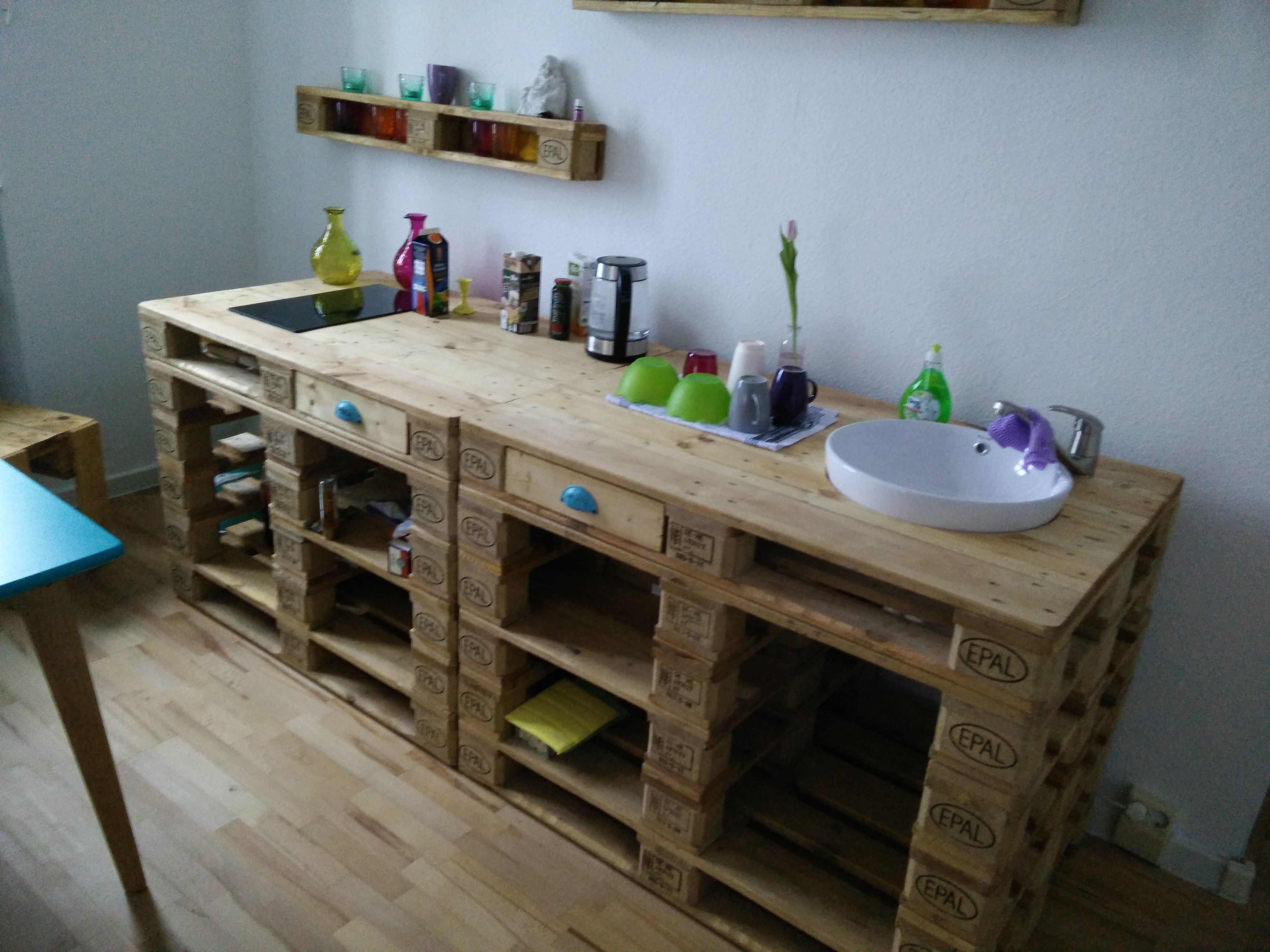 Instead Of Cheap Pressboard Cabinets Here S A Terrific Idea For A Mini Pallet Kitchenette For The Office It S Durabl Kitchenette Pallet Kitchen Wood Pallets