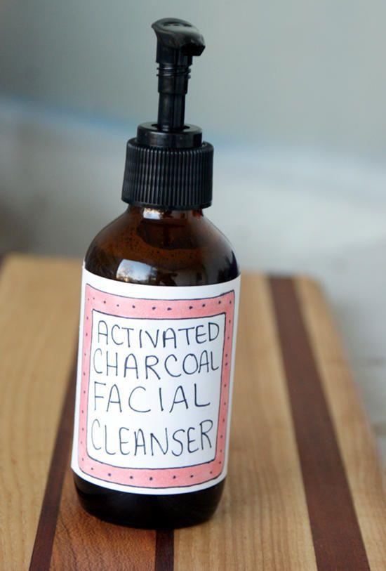 Receta de limpiador facial de carbón activado para el acné-3000