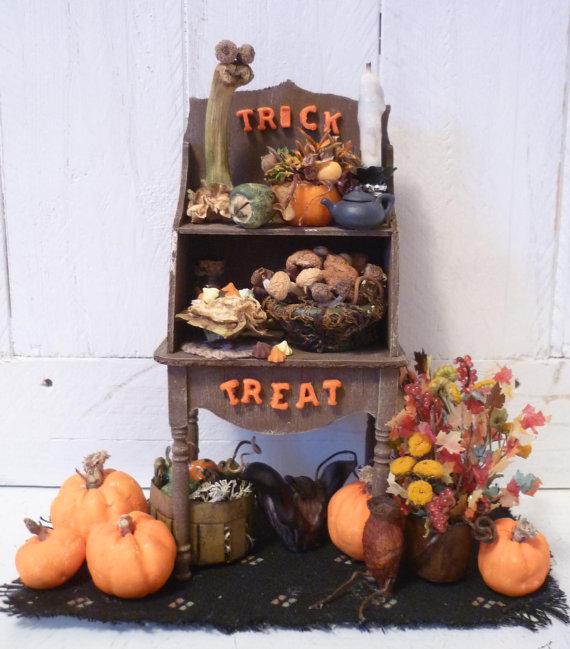 Trick or Treat Mini Shelf on Etsy, $100.00