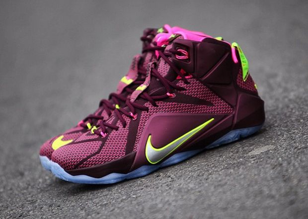 new concept 3c8ad e893c double-helix-nike-lebron-12.