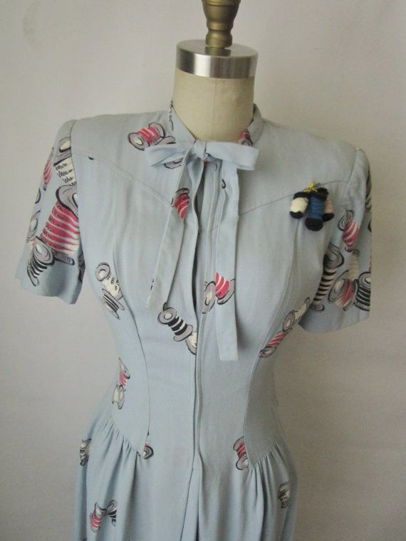 40's Novelty Print Dress // Vintage 1940's by TheVintageStudio