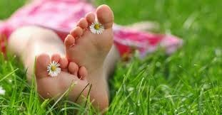 Comment enlever complètement la corne des pieds Il est bien difficile, pour ceux qui en ont, d'enlever complètement la corne des pieds lorsqu'elle est installée. Mais certaines méthodes permettent ...