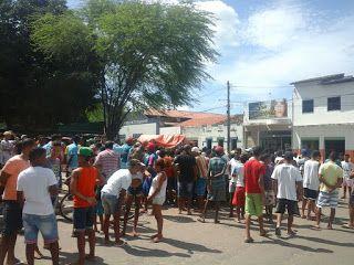 NONATO NOTÍCIAS: HOMEM É MORTO A FACADA NA FEIRA LIVRE DE ANTÔNIO G...