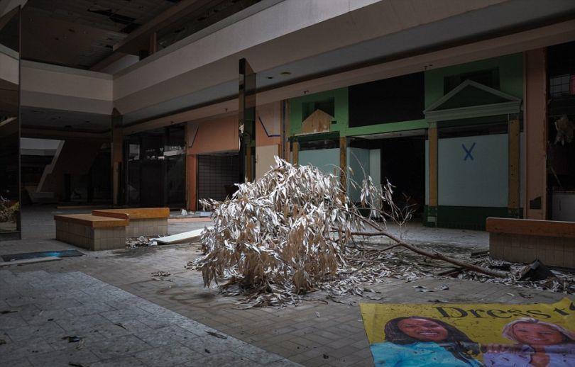 abandonedshopping-4