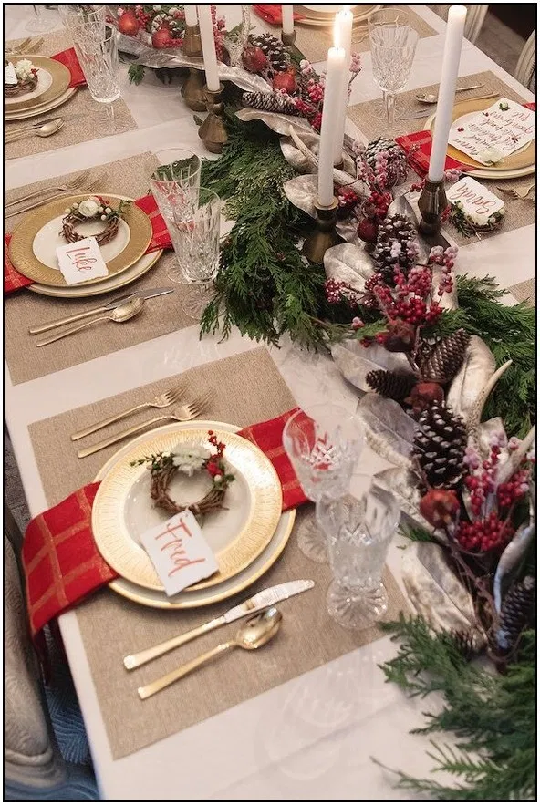 64 Insanely Easy Christmas Decorations To Make In A Pinch Page 21 In 2020 Christmas Dining Table Christmas Table Christmas Table Decorations