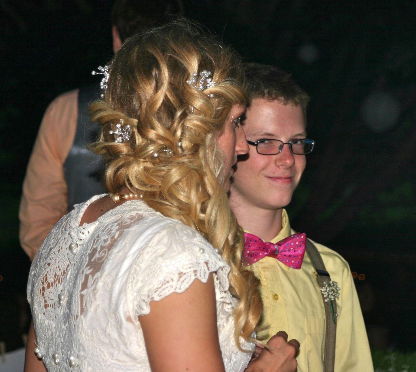 Wedding Hair Services: Wedding Hairstyles, Spa Salon