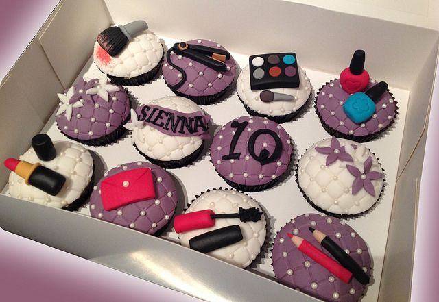 bezmerelda | Themed cupcakes, Makeup cupcakes, Novelty cakes