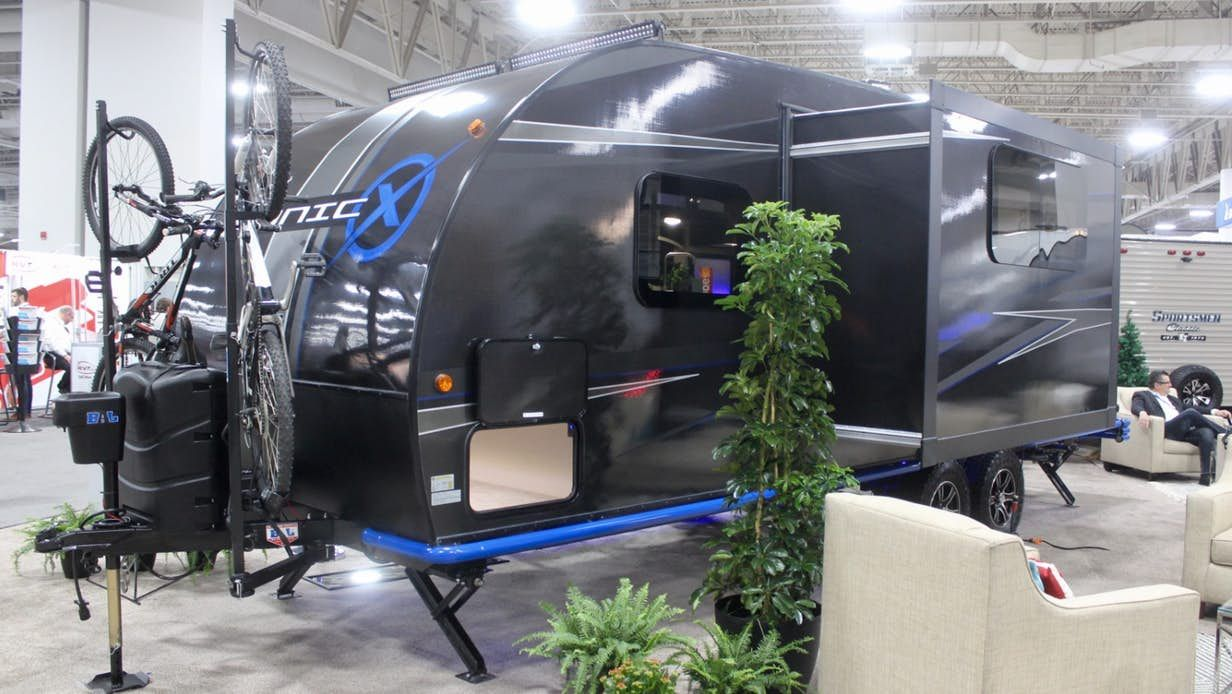 Carbon Fiber Camping Trailer Sustains Itself Off Grid With
