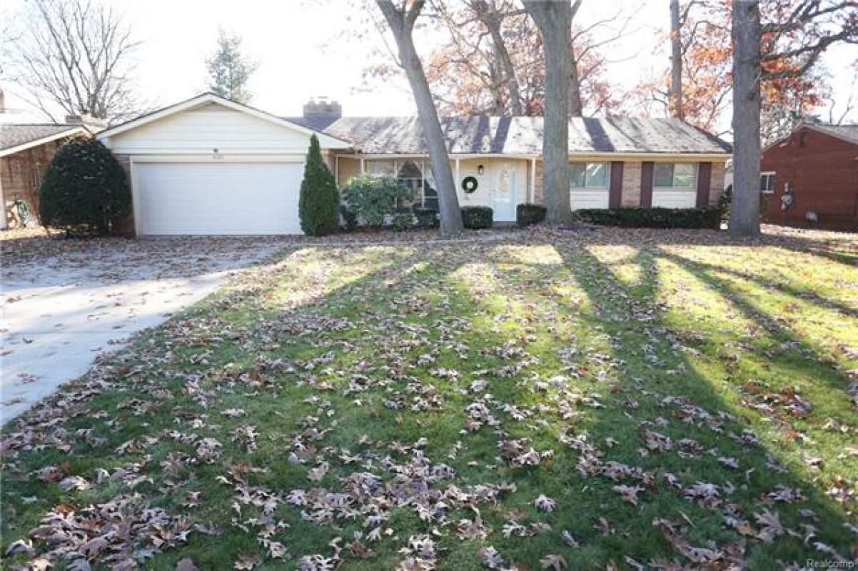 Lots of potential in this sprawling bedroom bath ranch large