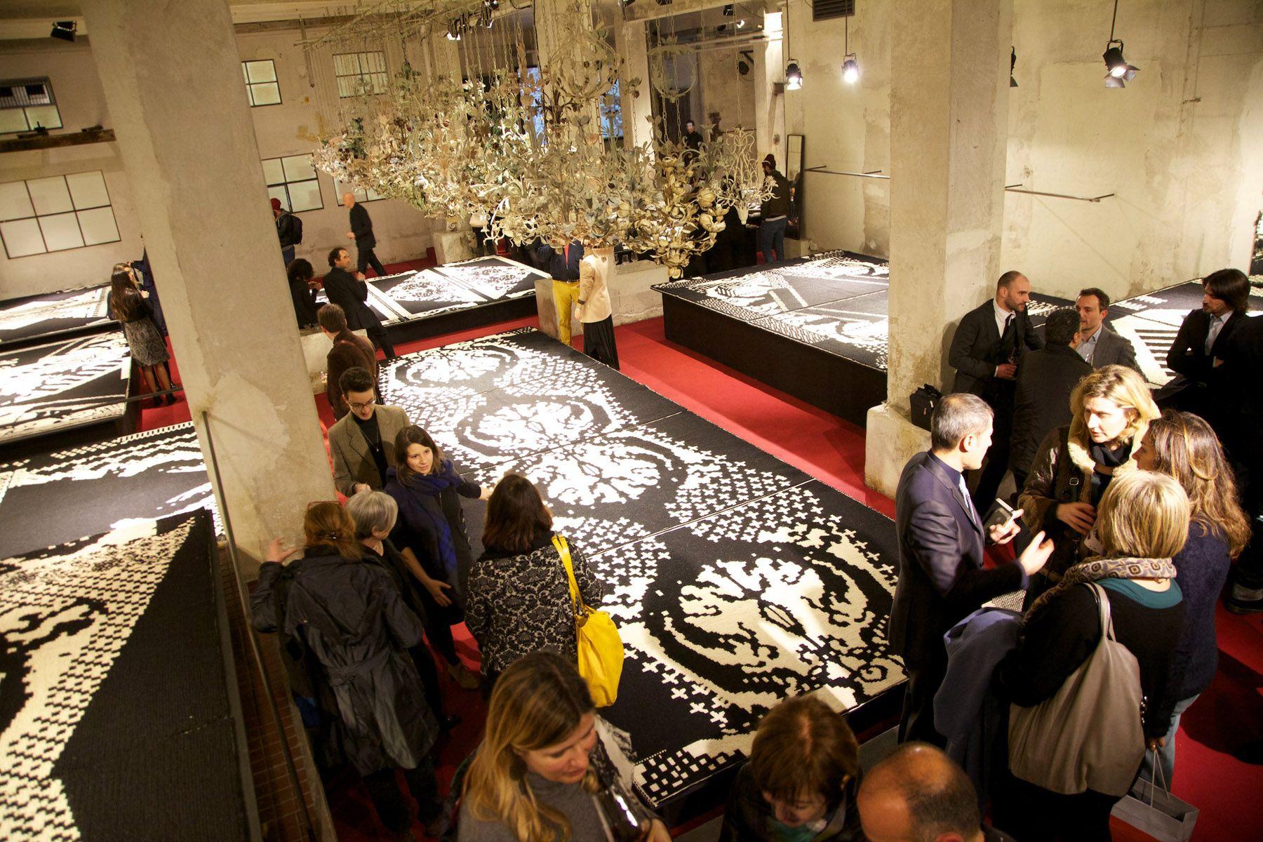Passavamo sulla Terra Leggeri - tra tappeti e pareti. Milano, Salone del Mobile 2013