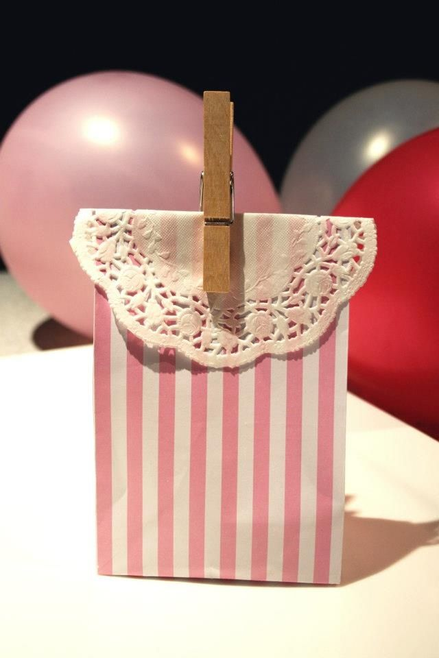 Vintage style party favour bags. Vintage parties Time with friends make the perfect blend