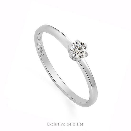 Anel Solitario De Ouro Branco 18k Polido Com Diamante Redondo