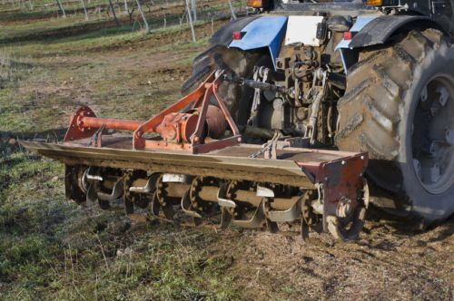 What's the Difference Between a Rotavator and a Cultivator?