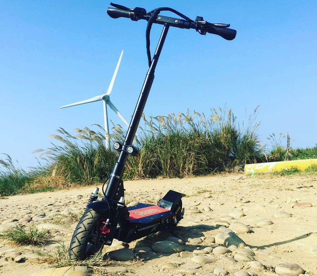 Qiewa Q1 Hummer Electric Scooter Blazingly Fast And Comfortable