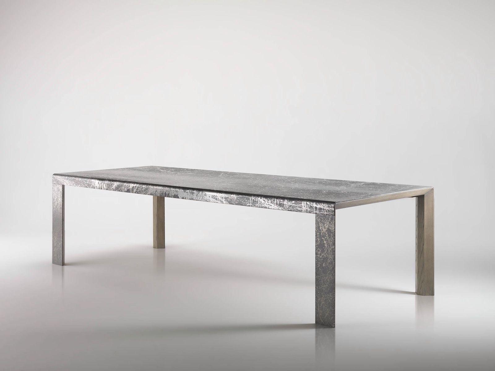 Rivestimento Tavolo ~ Tavolo con rivestimento in metallo materico effetto lunare