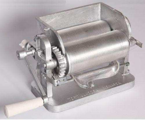 Made-in-Mexico-Monarca-Manual-Flower-Corn-Aluminum-Tortilla-Maker-Roller-Press