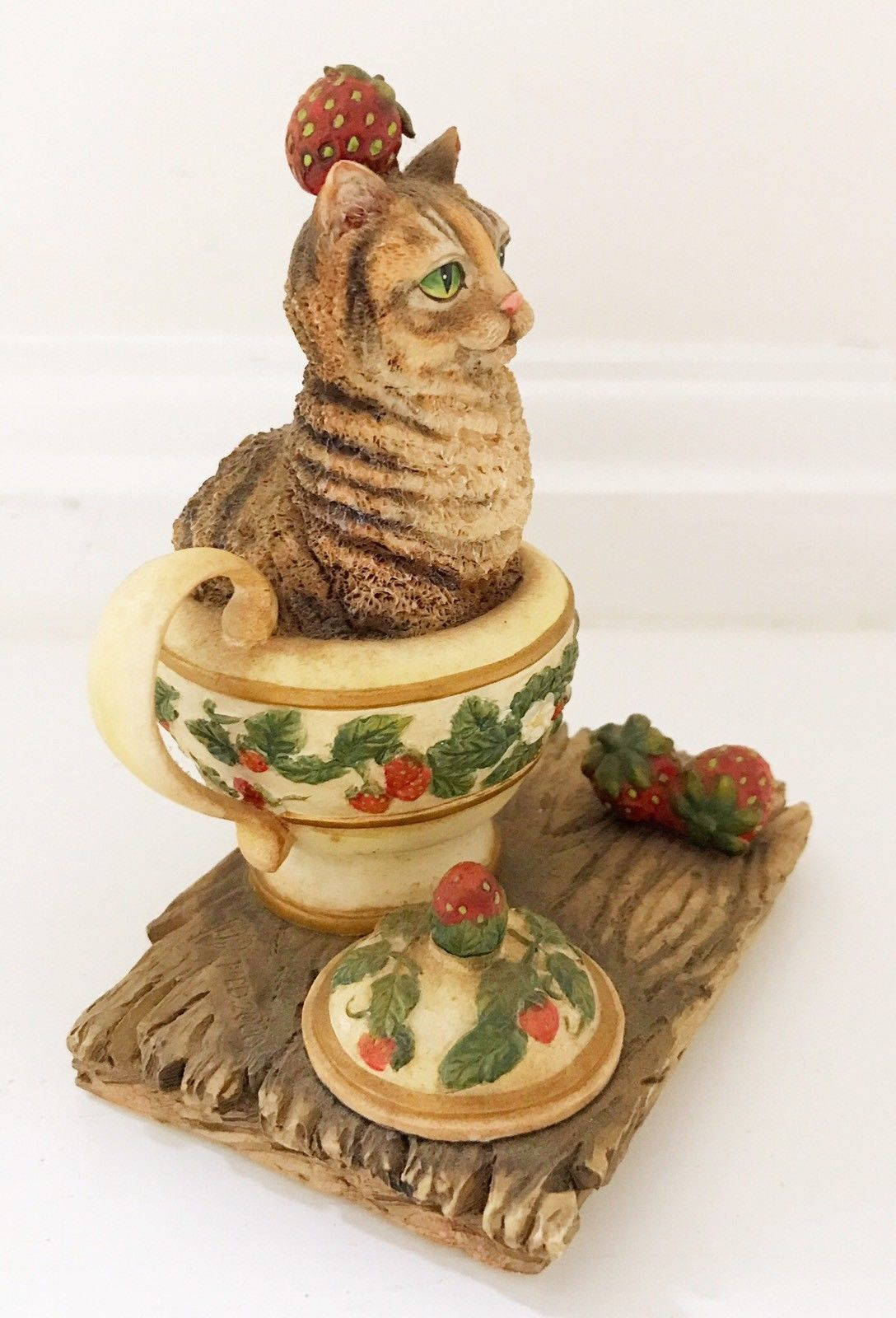 Curious Cats 'Strawberry Tea' Figurine Lang & Wise 2000