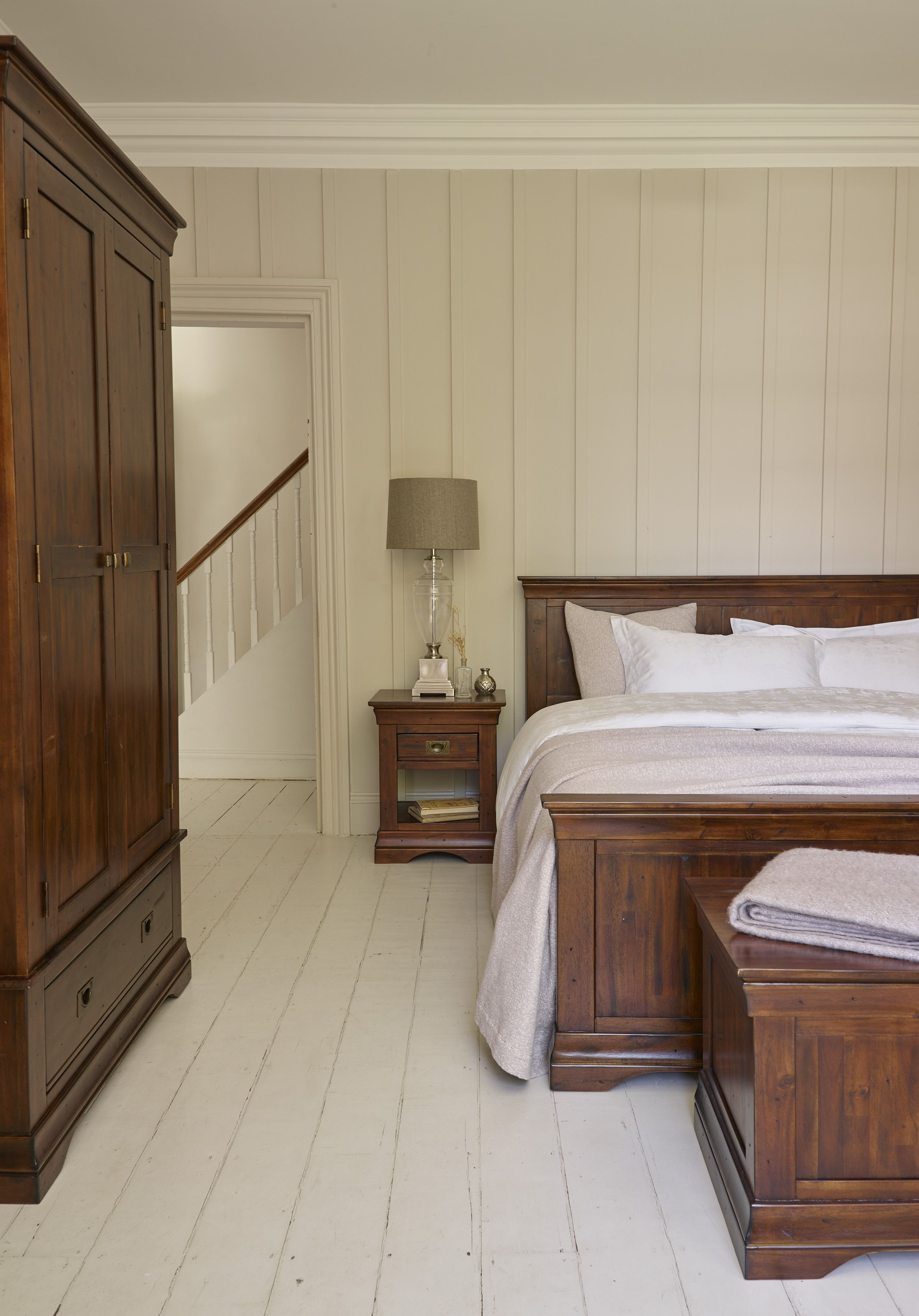 The largest bed in the victoria range with panelled headboard and