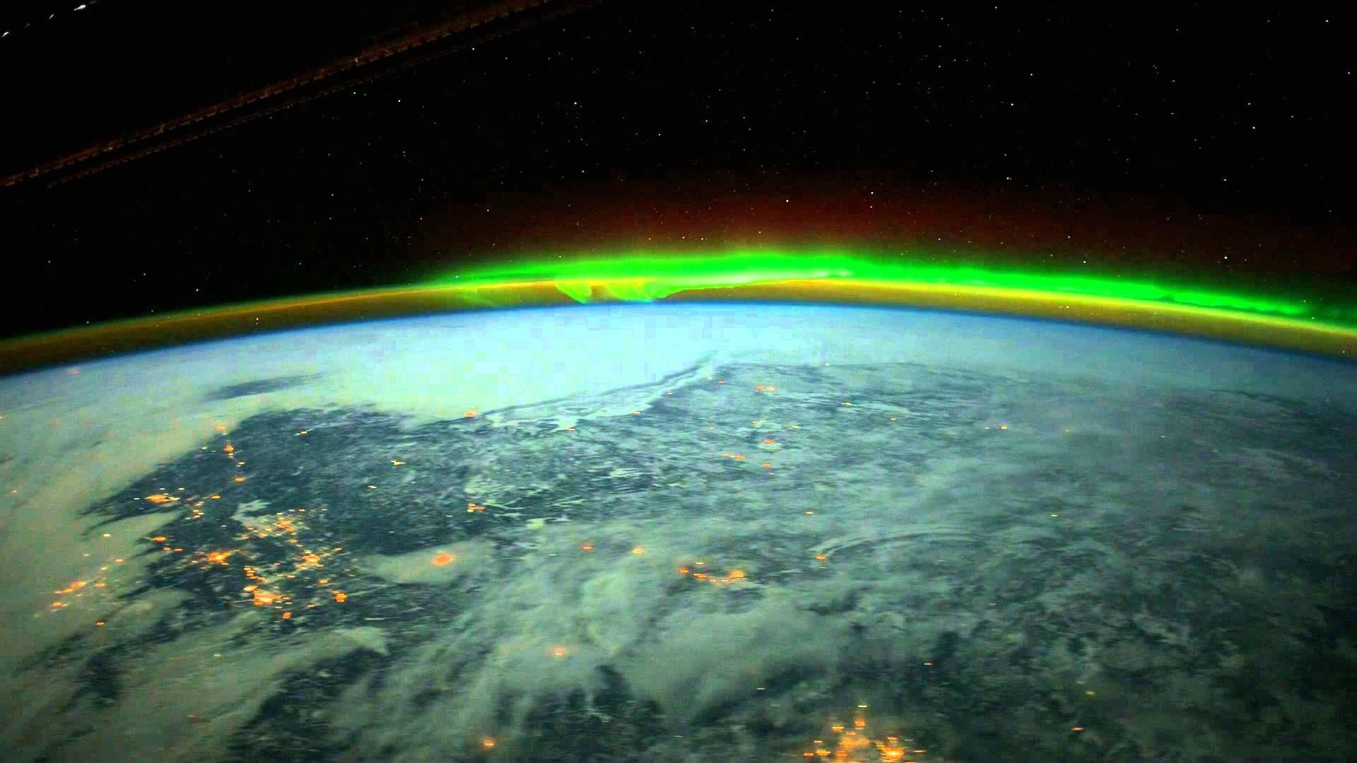 aurora borealis from space | Wallpaper aurora from space ...
