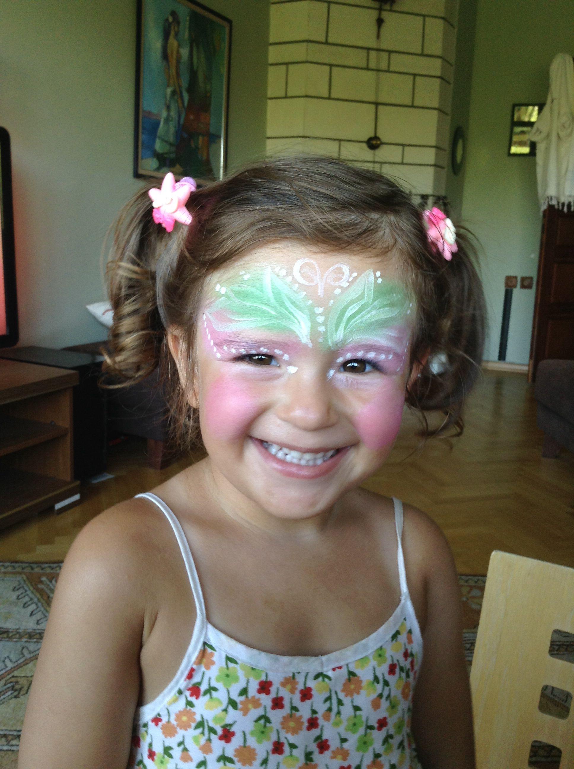 Yüz Boyama Face Painting Renklerin Karışımı Mutlu çocuklar