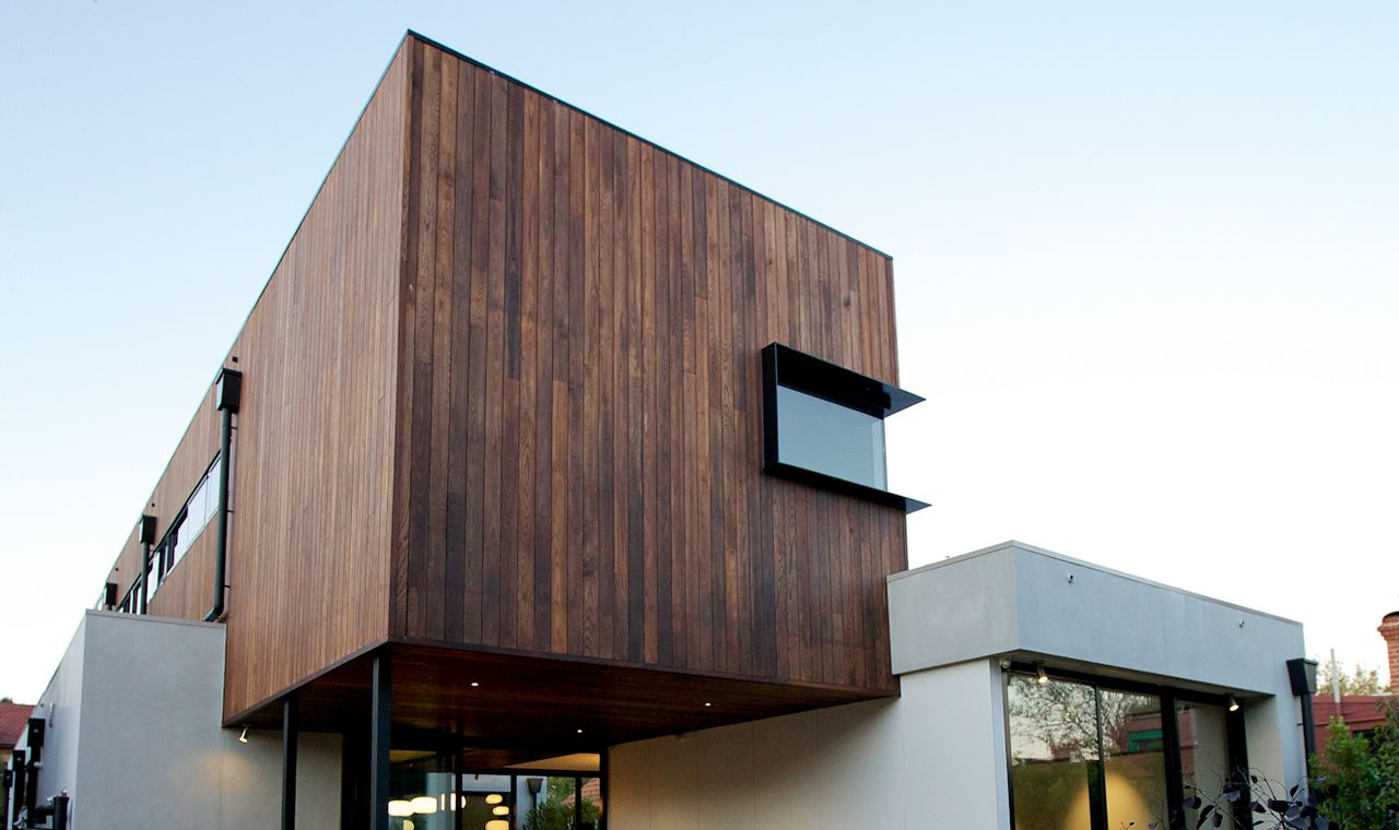 Clearly defined elements timberdesign magazine home for Beach house construction materials