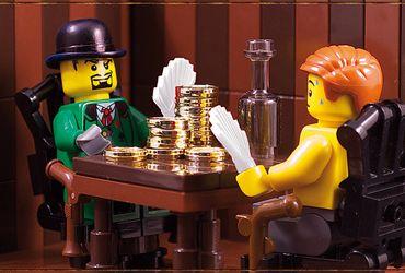 When bricks animate the poker scene