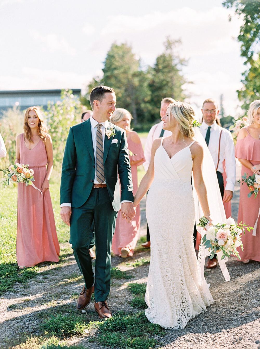 Ravine Vineyard Wedding Photography By Caileigh Langford Vineyard Bride Southern Ontario S Wedding Resource Vineyard Wedding Wedding Wedding Photography [ 1342 x 1000 Pixel ]