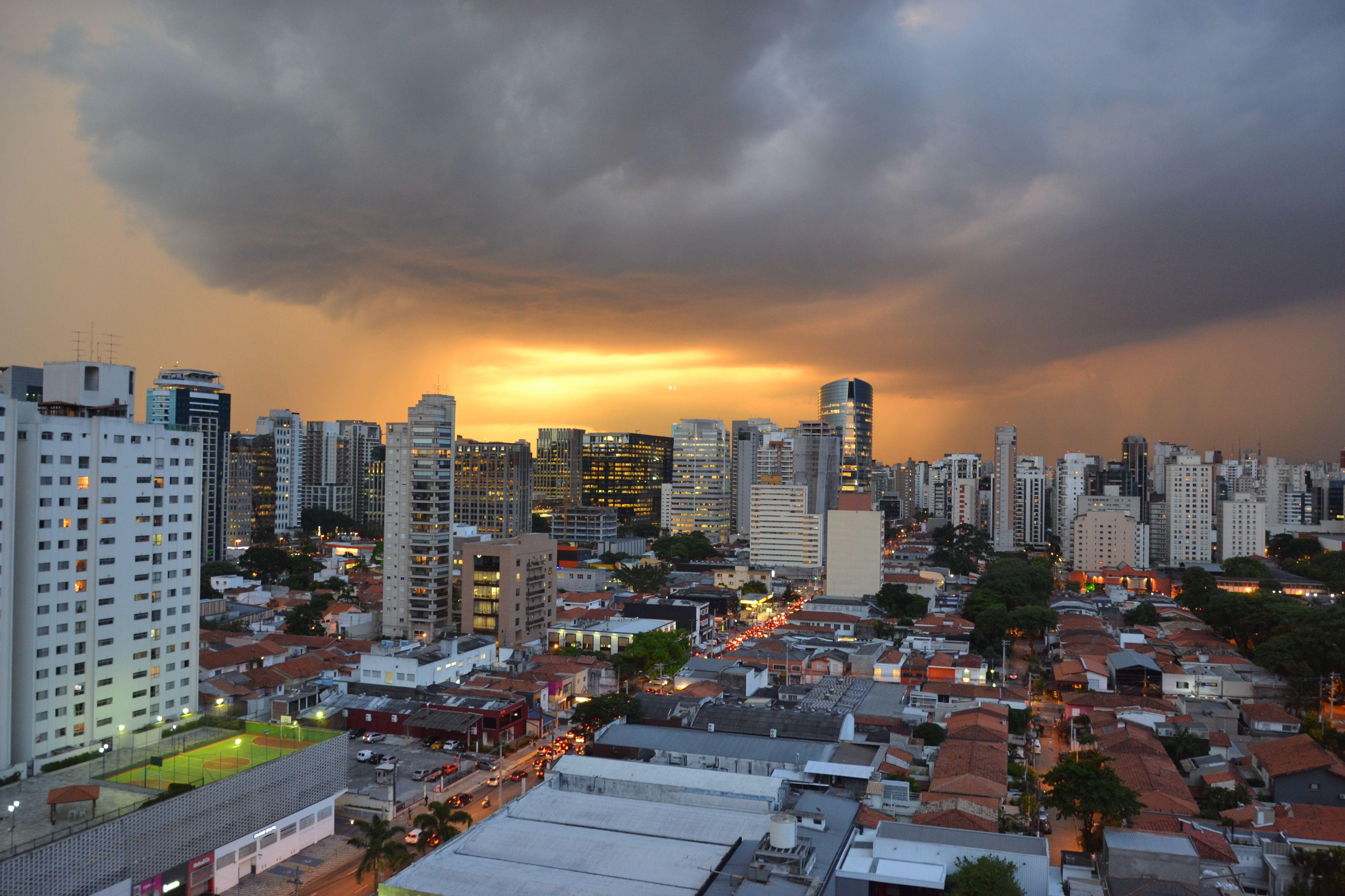 Tempestade se aproxima em São Paulo
