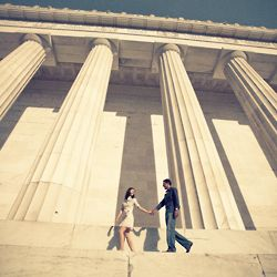 Couples' love of history inspired vintage look to their engagement pictures at the Lincoln Memorial.