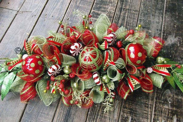 Glamorous Christmas Centerpieces Deco Mesh Ideas Tree Ornaments Red Green Colors Christmas Table Centerpieces Christmas Centerpieces Christmas Arrangements