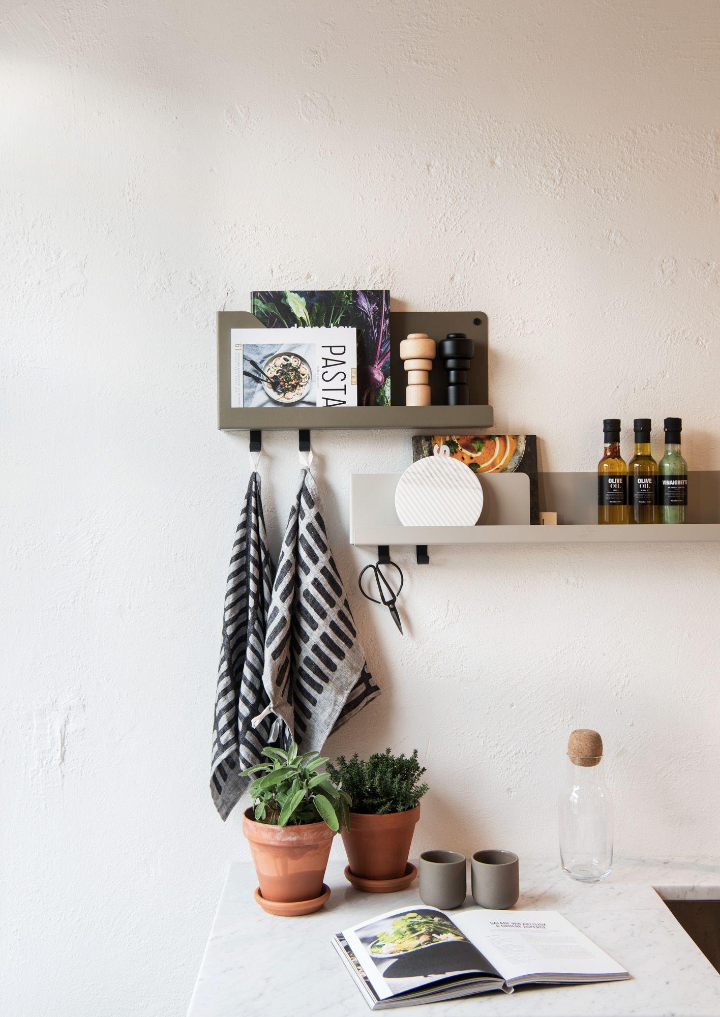 Muuto FOLDED Shelves By Johan Van Hengel At Mobilia Interior In - Salle a manger interiors pour idees de deco de cuisine