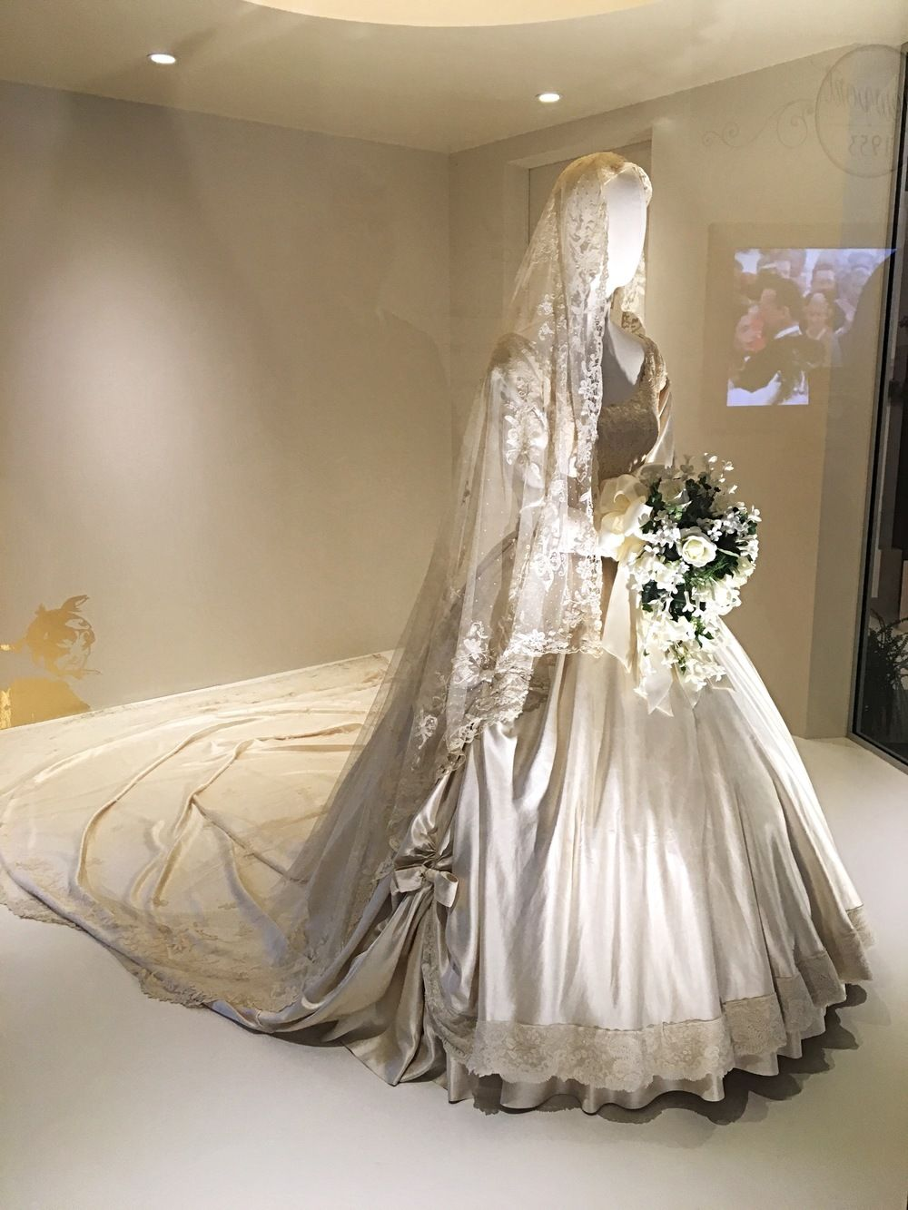 May 2016 jackie kennedys wedding veil on display at biltmore may 2016 jackie kennedys wedding veil on display at biltmore estate in asheville north junglespirit Image collections